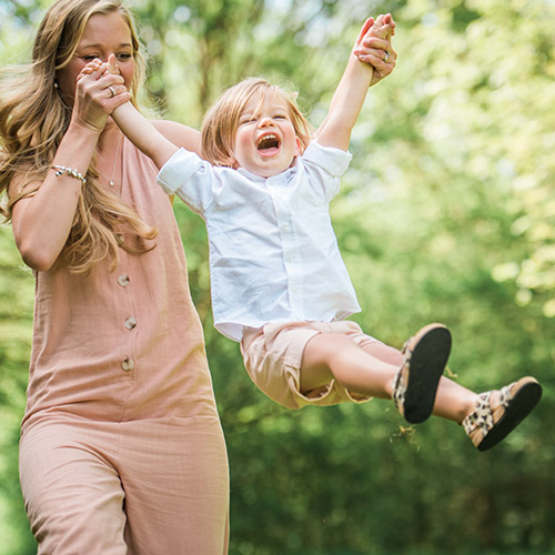 Essex_Family_photographer_mother_and_son_outdoor_photoshoot
